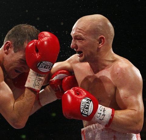 FIRED UP: Gavin Rees on his way to victory over Derry Mathews on Saturday