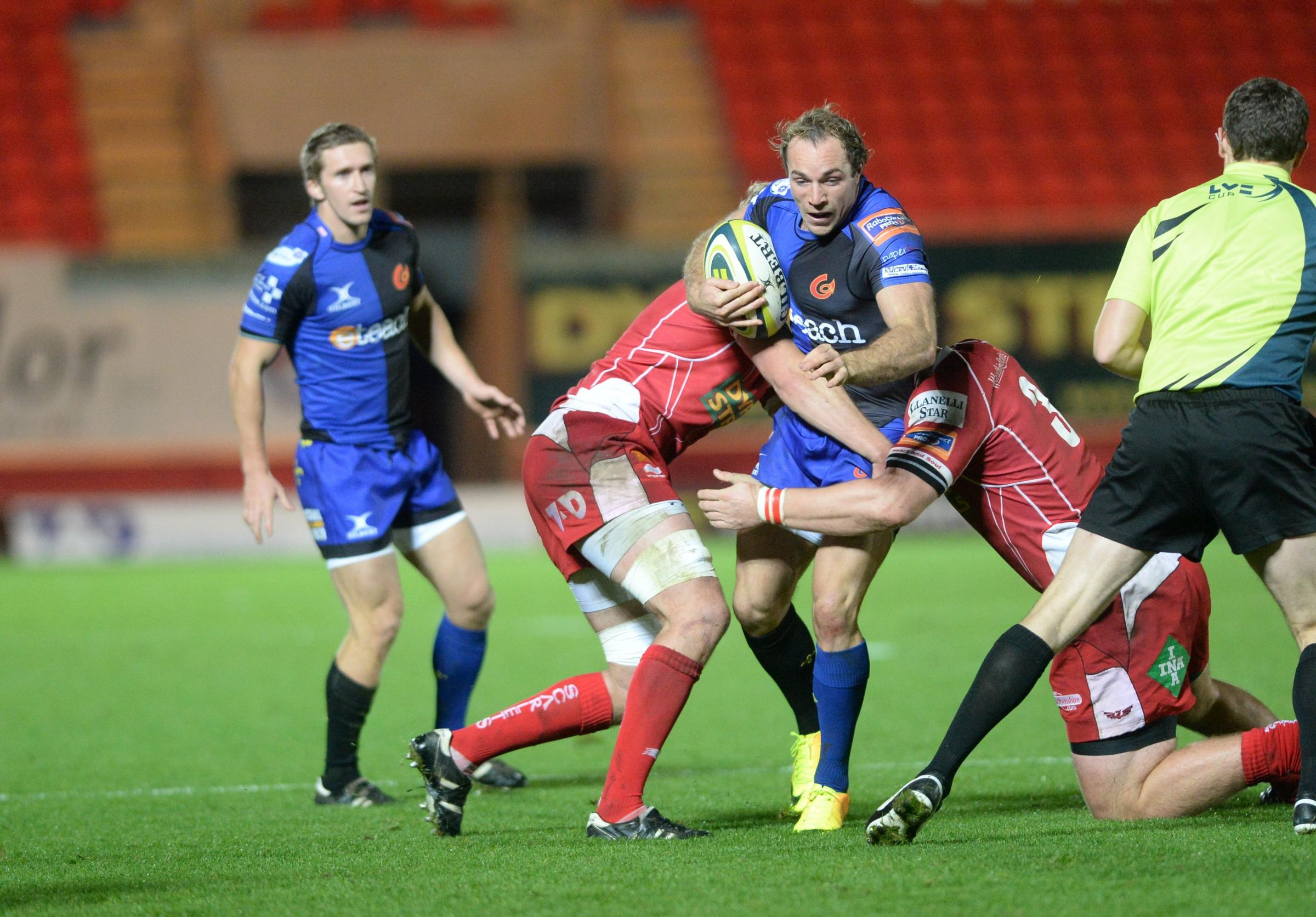 Dragons departures for Will Harries and Adam Hughes