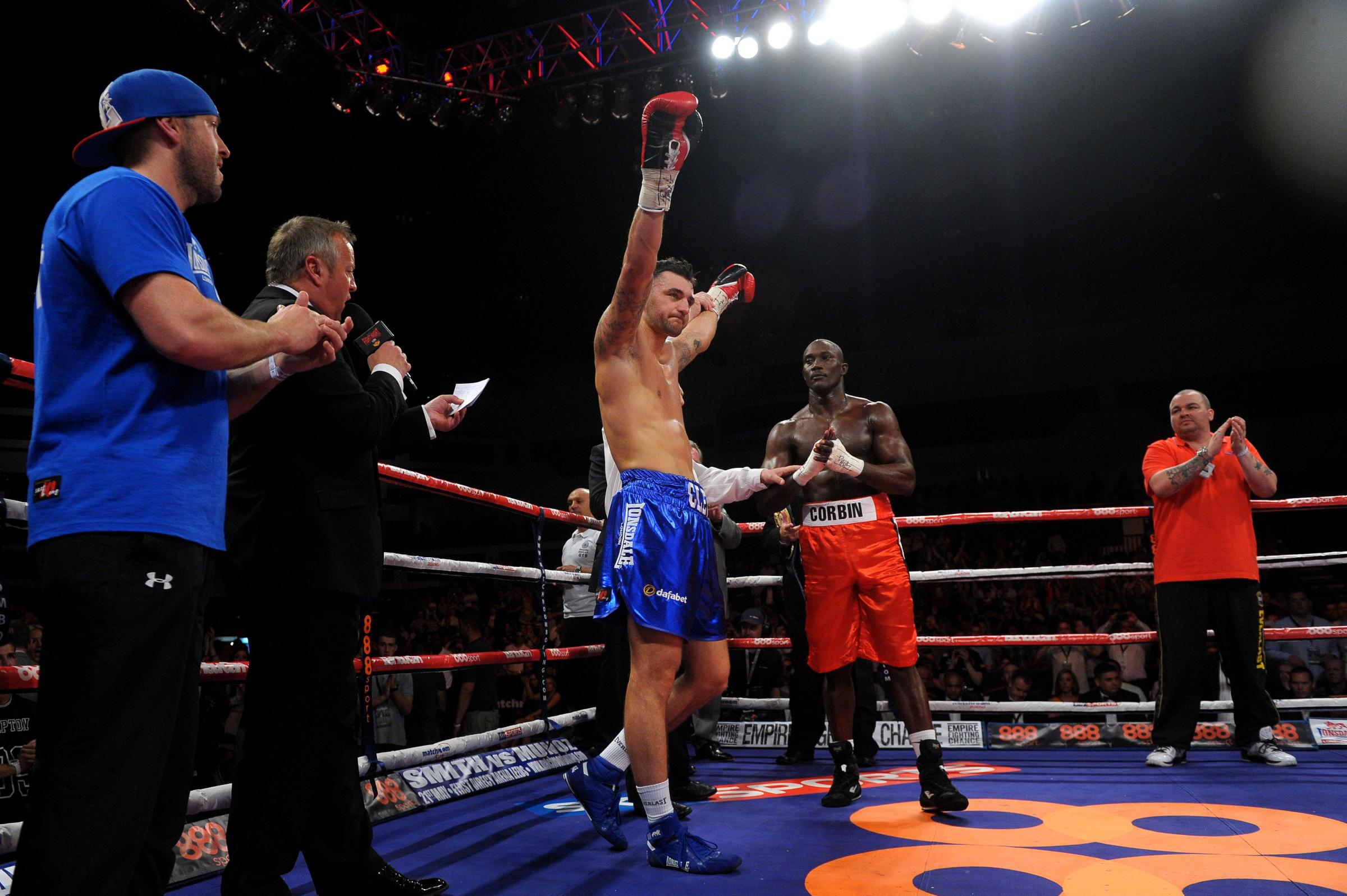 Rees steals the show on positive night for Welsh boxing