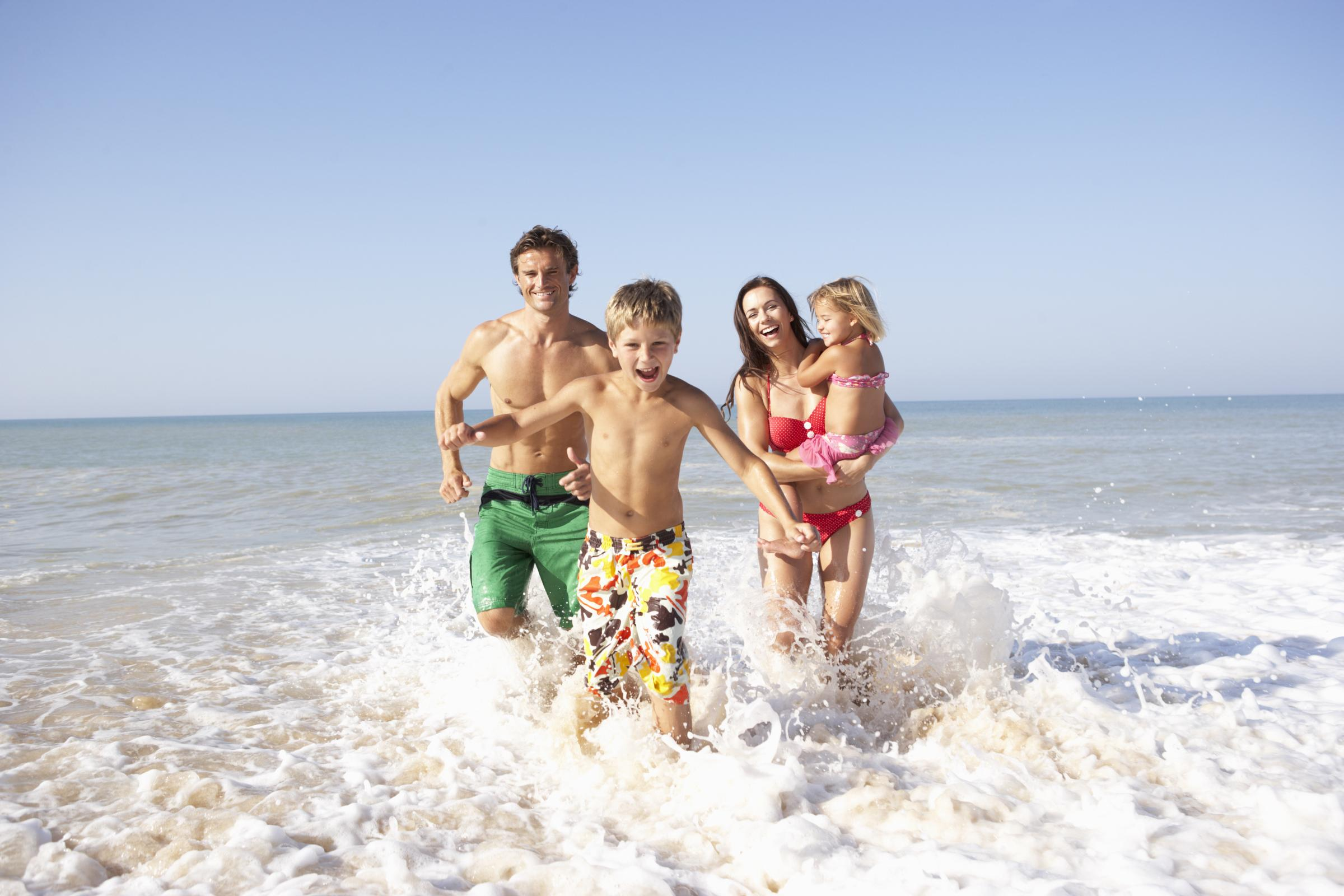 Семейное на пляже 1 фотография
